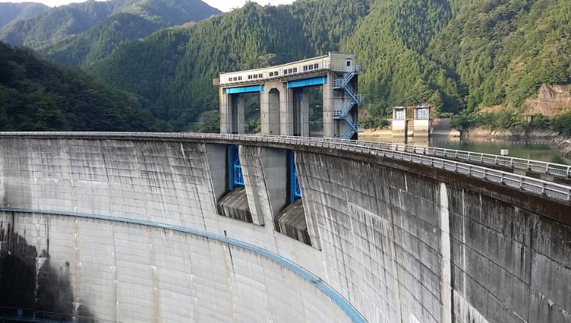 新豊根ダム・ダムカードを求めて...